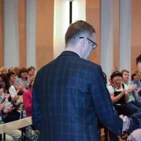 3.Saue Gümnaasiumil on alates sellest õppeaastast uus direktor Robert R. Lippin
